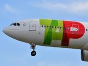 Airbus A330-202 (CS-TOL)