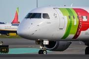Embraer ERJ-195 SR (CS-TTZ)