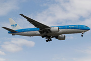 Boeing 777-206/ER (PH-BQI)
