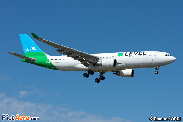 Airbus A330-202 (Level)