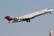 Bombardier CRJ-700 (Canadair CL-600-2C10 Regional Jet) (N655CA)
