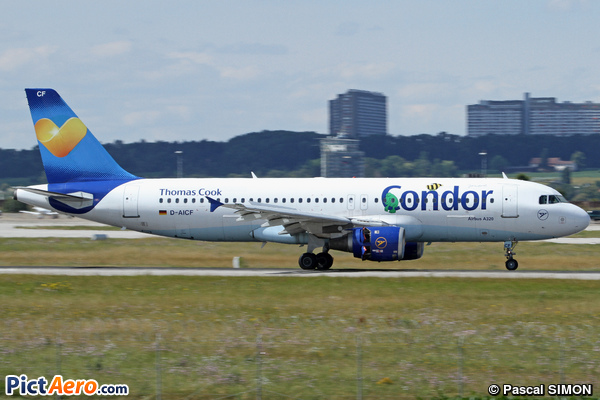 Airbus A320-212 (Condor)