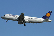Airbus A320-211 (D-AIQF)