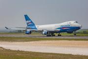 Boeing 747-4R7F (4K-SW800)