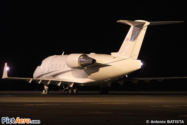 Bombardier CL-600-2B16 Challenger 604 (Private / Privé)