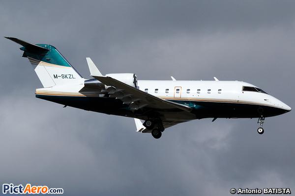 Canadair CL-600-2B16 Challenger 604 (Private / Privé)