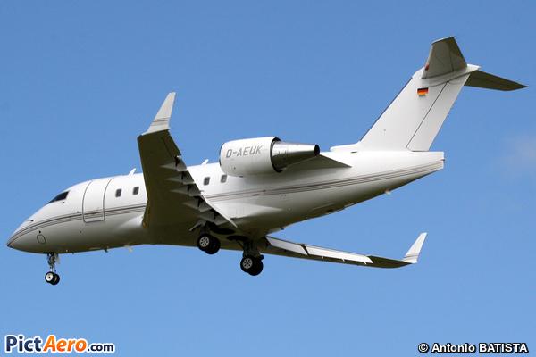 Canadair CL-600-2B16 Challenger 604 (Challenge Air)