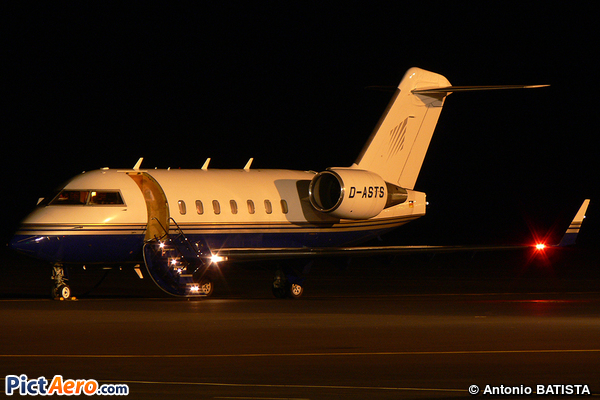 Canadair CL-600-2B16 Challenger 604 (ACM Air Charter)