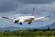 Boeing 777-328/ER (F-GSQN)