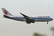 Boeing 747-4J6M