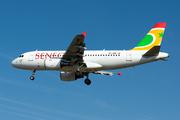 Airbus A319-111 (6V-AMB)