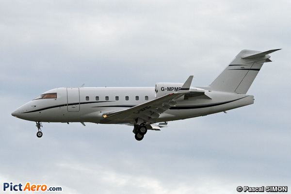 Canadair CL-600-2B16 Challenger 604 (TAG Aviation UK)