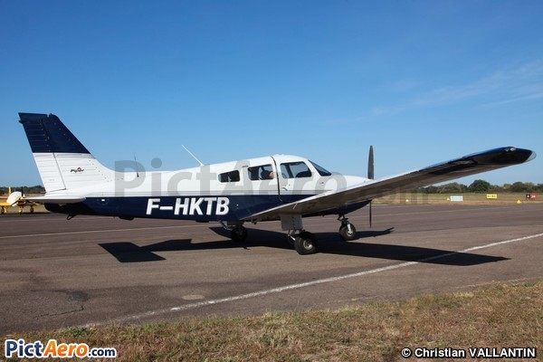 PA 28-181 Archer II (Private / Privé)