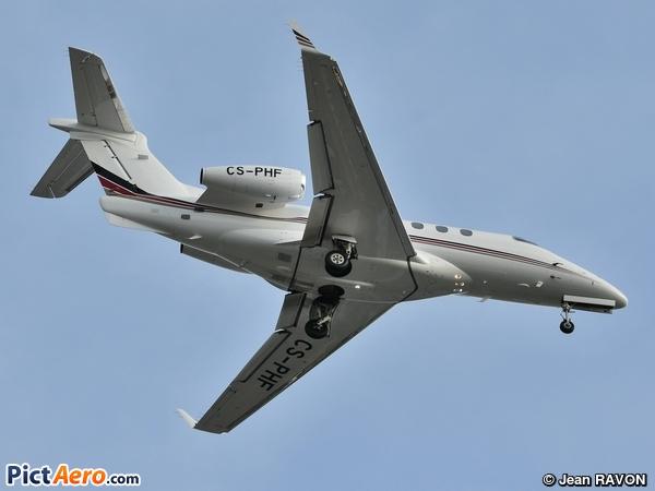 Embraer 505 Phenom 300 (NetJets Aviation)