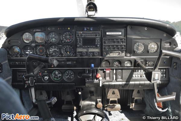 Piper PA-32 R-301 T Saratoga (Secours Aérien Sans Frontières (SASF))