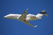 Bombardier BD-100-1A10 Challenger 350 (T7-DNK)