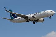 Boeing 737-8CT/WL (C-FWJS)