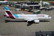 Airbus A320-214 (OO-SNN)
