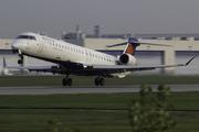 CRJ-900LR (CL-600-2D24) (N607LR)