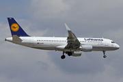 Airbus A320-214/WL (D-AIUB)