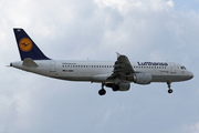 Airbus A320-211 (D-AIQD)